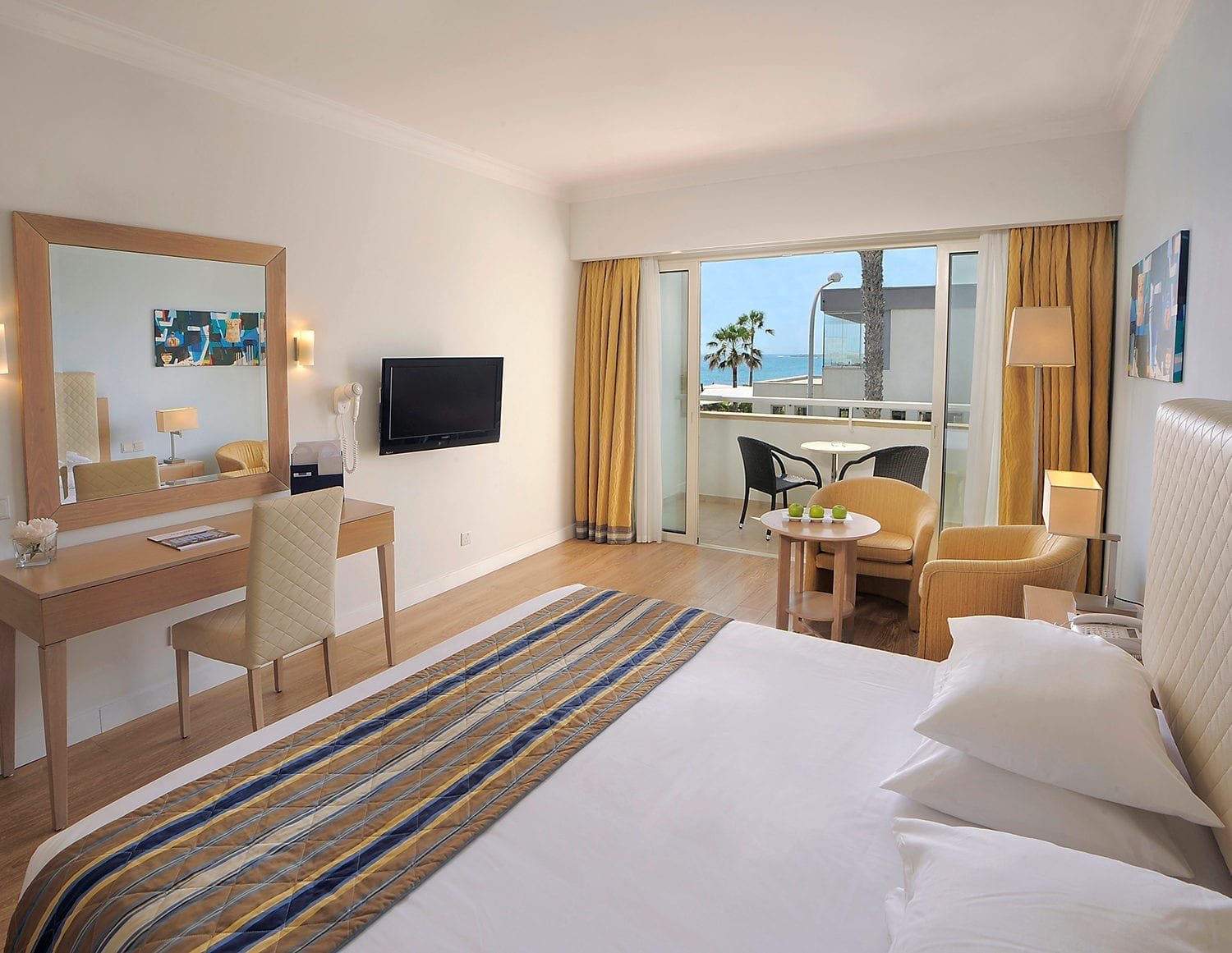 Deluxe Room, Side Sea View